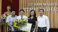 Thứ trưởng Bộ GD&ĐT Nguyễn Thị Nghĩa kiểm tra công tác chuẩn bị thi ở Nghệ An