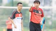 HLV Phan Thanh Hùng ghi dấu trong chiến thắng trước Malaysia
