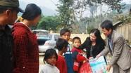Bưu điện tỉnh, Báo Nghệ An tặng quà xã Xiêng My- Tương Dương