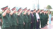 Đảng bộ Quân sự tỉnh Nghệ An dâng hoa báo công với Bác