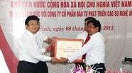 Đồng chí Trương Tấn Sang thăm Công ty CP ĐTPT Cao su Nghệ An