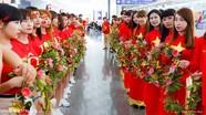 """Nữ CĐV Việt Nam hứa """"nhuộm đỏ"""" khán đài ở Đài Loan"""