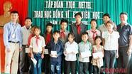 Tập đoàn Viettel trao học bổng tại Kỳ Sơn