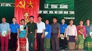 Đoàn Kinh tế Quốc phòng 4: Mở lớp học xóa mù chữ ở xã Mường Ải