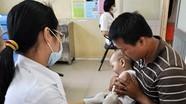 """Vì sao vaccine Quinvaxem bị nhiều """"phản ứng""""?"""