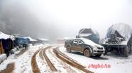Tuyết rơi dày, bản làng Nghệ An trắng xóa như Châu Âu