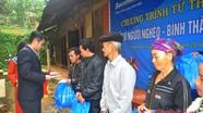 Sacombank Nghệ An tặng quà cho hộ nghèo huyện Tương Dương