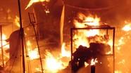 Nửa đêm cháy chợ lớn nhất thị xã, hàng chục ky ốt bị thiêu rụi