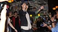 Rapper Đen Vâu hâm nóng thành Vinh bằng chất 'độc - lạ - dị'