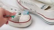 Học lỏm 12 công dụng tuyệt vời của kem đánh răng