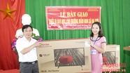 Tặng thiết bị dạy học trị giá gần 60 triệu đồng cho Trường mầm non xã Hạ Sơn