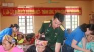 Đoàn Kinh tế Quốc phòng 4 mở lớp xóa mù chữ tại xã Mường Ải