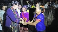 Phó Chủ tịch Quốc hội Tòng Thị Phóng nhảy sạp cùng dân bản Con Cuông