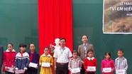 Viettel Quỳ Hợp trao 10 suất học bổng 'Vì em hiếu học'