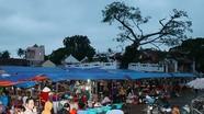 Chợ phiên đền Cờn lúc mờ sáng