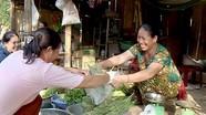 Phụ nữ bản Phòng góp quỹ tiết kiệm phát triển kinh tế