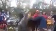 Lại xuất hiện clip 2 nữ sinh đánh nhau dã man gây xôn xao dư luận