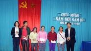 Báo Nghệ An trao 100 suất quà cho hộ nghèo xã Xiêng My (Tương Dương)