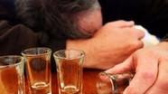 Cách phát hiện và sơ cấp cứu khi ngộ độc rượu chứa methanol