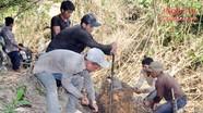 Người dân Hữu Khuông dựng lán, bạt rừng, mở đường về bản