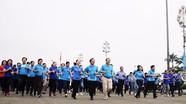 Lãnh đạo tỉnh cùng hơn 1.000 người tham gia Ngày chạy Olympic