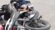 Xe 7 chỗ đâm văng xe máy, 1 người nguy kịch