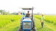 Trưởng thôn sáng chế máy phun thuốc sâu cho lúa