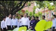 Tân Bí thư TP. Hồ Chí Minh Nguyễn Thiện Nhân thăm Bến Nhà Rồng