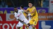Tiền đạo Samson bị treo giò 2 trận ở cúp quốc gia và V-League 2017