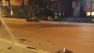 Tai nạn xe máy, đầu xe biến dạng, bánh văng ra ngoài