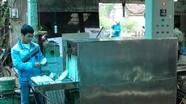 'Kỹ sư làng' chế máy rửa bát công nghiệp