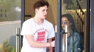 Con trai Victoria Beckham hẹn hò người đẹp tuổi teen