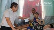 Tổng Công ty Vật tư Nông nghiệp Nghệ An tặng quà gia đình chính sách