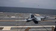 Tiêm kích Mỹ lần đầu cất hạ cánh trên siêu tàu sân bay lớp Ford