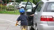 Những quy tắc an toàn khi mở cửa xe ô tô
