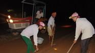 Nông dân Nghệ An gieo trỉa vụ đông ban đêm để tránh nắng