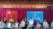 Hội đồng đội huyện Đô Lương trao 10 xe đạp cho học sinh nghèo