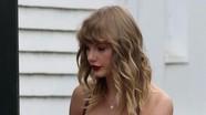 Taylor Swift làm phù dâu, lần đầu tiên xuất hiện sau nghi vấn mang thai