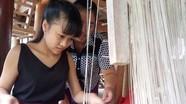 Kỳ Sơn: 30 học viên hoàn thành lớp học nghề dệt thổ cẩm