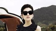 Á hậu Tú Anh duyên dáng với váy áo đen, trắng