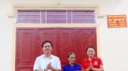 Bàn giao nhà 'chữ thập đỏ' cho hộ nghèo ở Quỳnh Lưu
