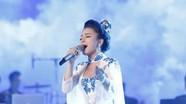 Cô gái xứ Nghệ gây bất ngờ với ca khúc mới toanh tại đêm Chung kết xếp hạng Sao Mai