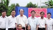 Trao 100 triệu đồng cho 2 gia đình chính sách làm nhà tình nghĩa ở Yên Thành