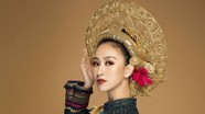 Á hậu Hà Thu mang quốc phục 'nữ tướng' oai nghiêm đến Miss Earth 2017