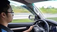 4 sai lầm của 'tài mới' khi lái ô tô số tự động