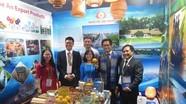 Nhiều đại biểu quốc tế dự APEC thích thú với sản vật Nghệ An