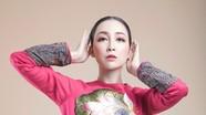 Linh Nga đẹp xuất thần trong bộ áo dài hoa sen trình diễn tại Tuần lễ APEC