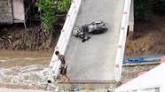 Khởi tố vụ sà lan tông sập cầu, 6 người bị thương