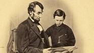 Cựu Tổng thống Mỹ viết gì trong thư gửi thầy giáo của con trai?