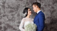 Trung vệ Quế Ngọc Hải lộ ảnh cưới lung linh với Hoa khôi Trường ĐH Vinh